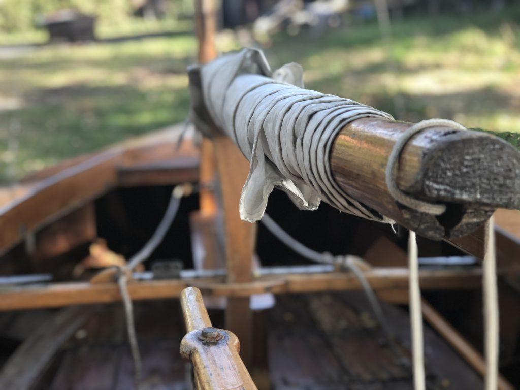 Holzpirat Holzjolle Segelboot mieten und leihen in berlin köpenick Müggelsee spree dahme grünau führerscheinfrei holzboot