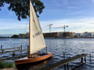 Holzpirat Holzjolle Praia 4 Segelboot ausleihen und mieten in berlin köpenick müggelsee