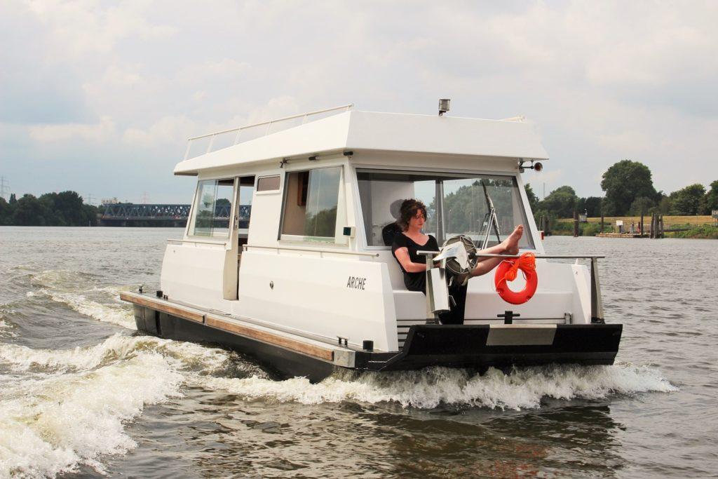 Hausboot mieten, Hausboot Urlaub in Bremervörde, 2 Personen 2 Kinder Nordsee Elbe Oste Stade